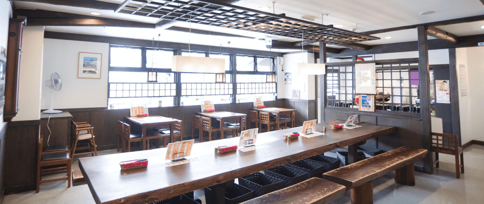 松本駅舎店内画像